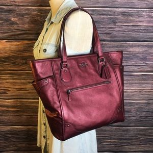 $495 MICKIE TOTE IN GRAIN LEATHER metallic Cherry